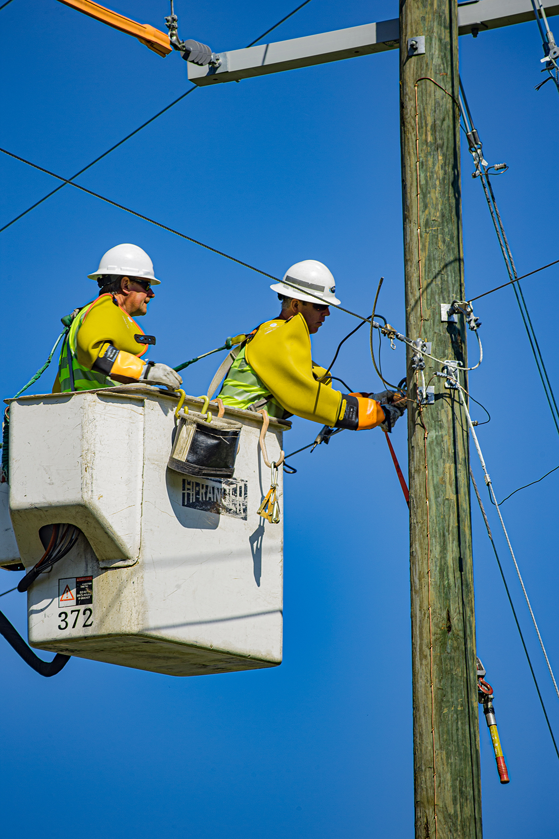 power restoration crew